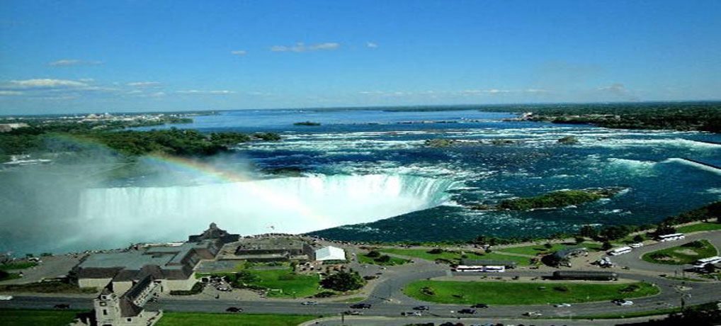 Niagara Falls-Come fall in love at the Niagara Falls